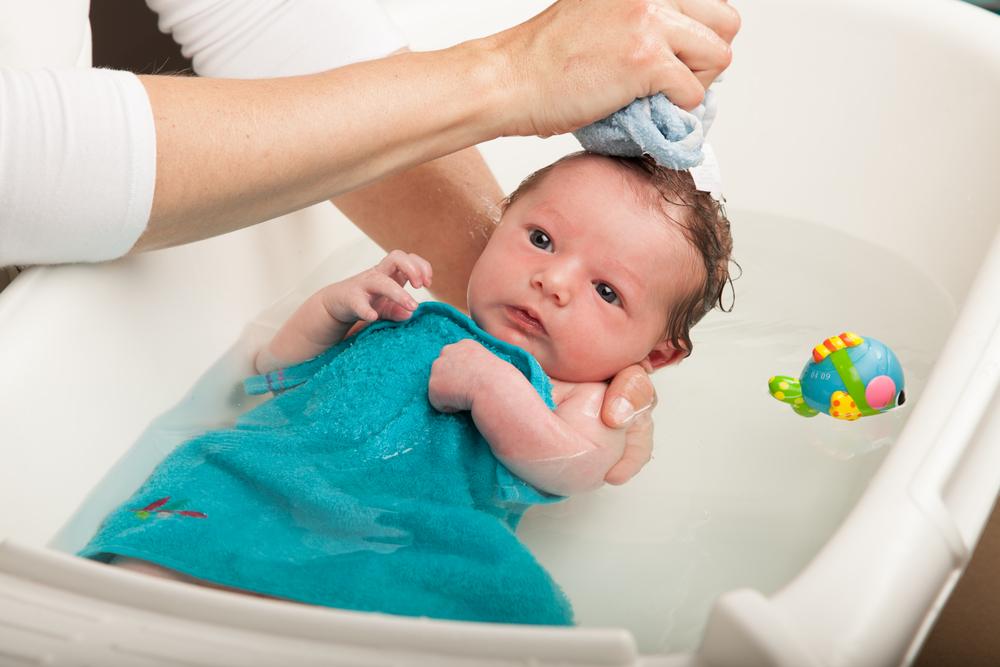 Yeni Doğan Bebek Şampuanı Nasıl Olmalı?